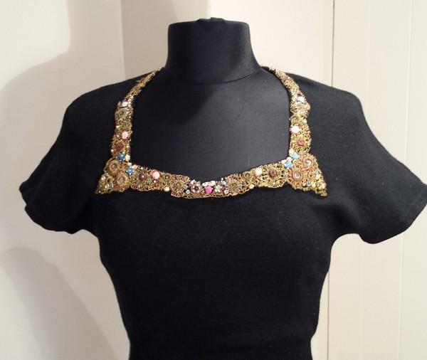 1940s Black short sleeve wool jumper with jewelled neckline