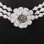 1940s Miriam Haskell three skein White Glass Necklace with Jewelled large Daisy fastening - detail