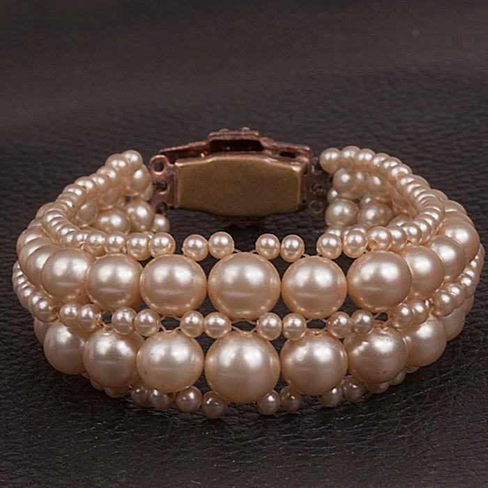 1940s Faux Pearl Bracelet