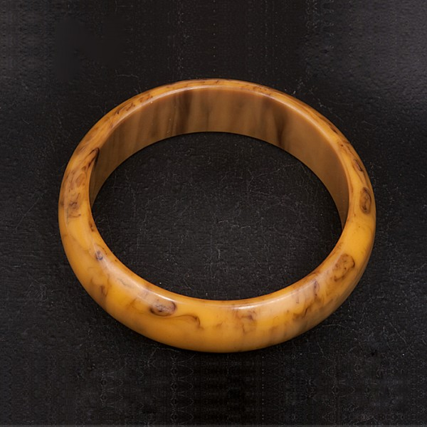 1950s Mustard and Black lucite bangle