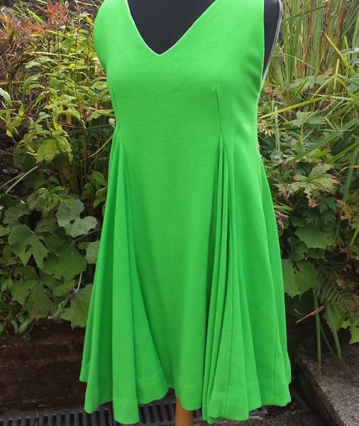 1960s Emerald Green Full dress in Wool