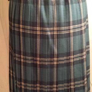 1960s Mosbrook Blue Tartan pleated pure wool ladies kilt - 2
