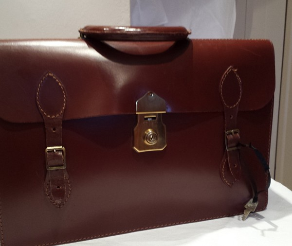Brown_calf_leather_briefcase_1